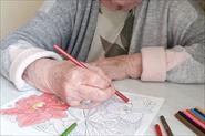 Бабушка рисуют