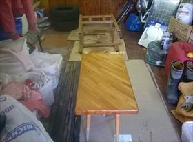 металлическая стойка для бойлера на 30 л. она же стол