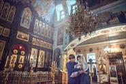 Съемка в церкви разных крещений и венчаний