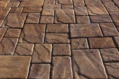 Как правильно уложить (укладывать) тротуарную плитку своими руками во дворе